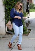 http://img129.imagevenue.com/loc1086/th_130112788_Hilary_Duff_at_hair_salon_in_Beverly_Hills24_122_1086lo.jpg