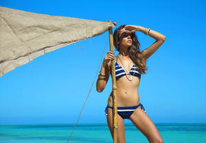 http://img129.imagevenue.com/loc1193/th_936732600_UploadedByKurupt_Clara_Alonso_Baku_Swimwear_2011_24_122_1193lo.jpg