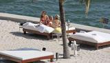 HQ's are up..... - HQs of Jennifer Aniston in Miami Beach, FL..... Foto 620 (Штаб являются до ..... - Штаб-квартира Дженнифер Анистон в Miami Beach, FL ..... Фото 620)