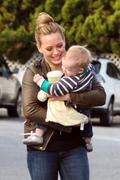 http://img129.imagevenue.com/loc965/th_961667953_Hilary_Duff_at_Bristol_Farms_in_LA19_122_965lo.jpg