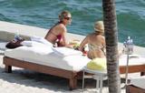 HQ's are up..... - HQs of Jennifer Aniston in Miami Beach, FL..... Foto 612 (���� �������� �� ..... - ����-�������� ��������� ������� � Miami Beach, FL ..... ���� 612)